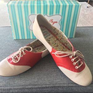 Betty Page Saddle Shoes 10 EUC ModCloth